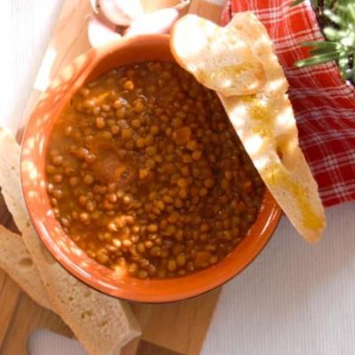Zupa z soczewicy z oliwą Terre Rosse