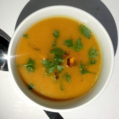 włoska zupa z dyni i ciecierzycy